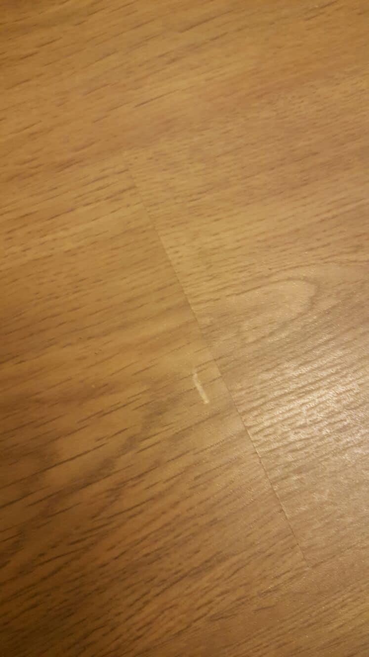 Laminatboden leicht zerkratzt